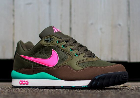 Nike Acg Air Wildwood Cargo Khaki Hyper Pink Medium Olive Sneakernews Com Nike Air Girls Sneakers Sneakers
