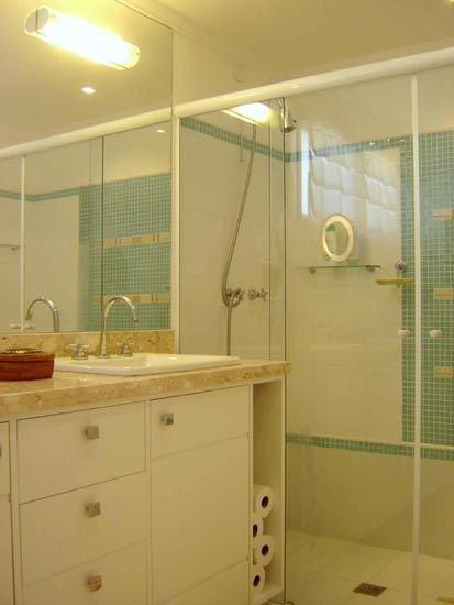 BANHEIRO BEGE COM KIT BOX BRANCO  Pesquisa Google  BANHEIROS  Pinterest   -> Banheiro Branco Com Pastilhas Bege
