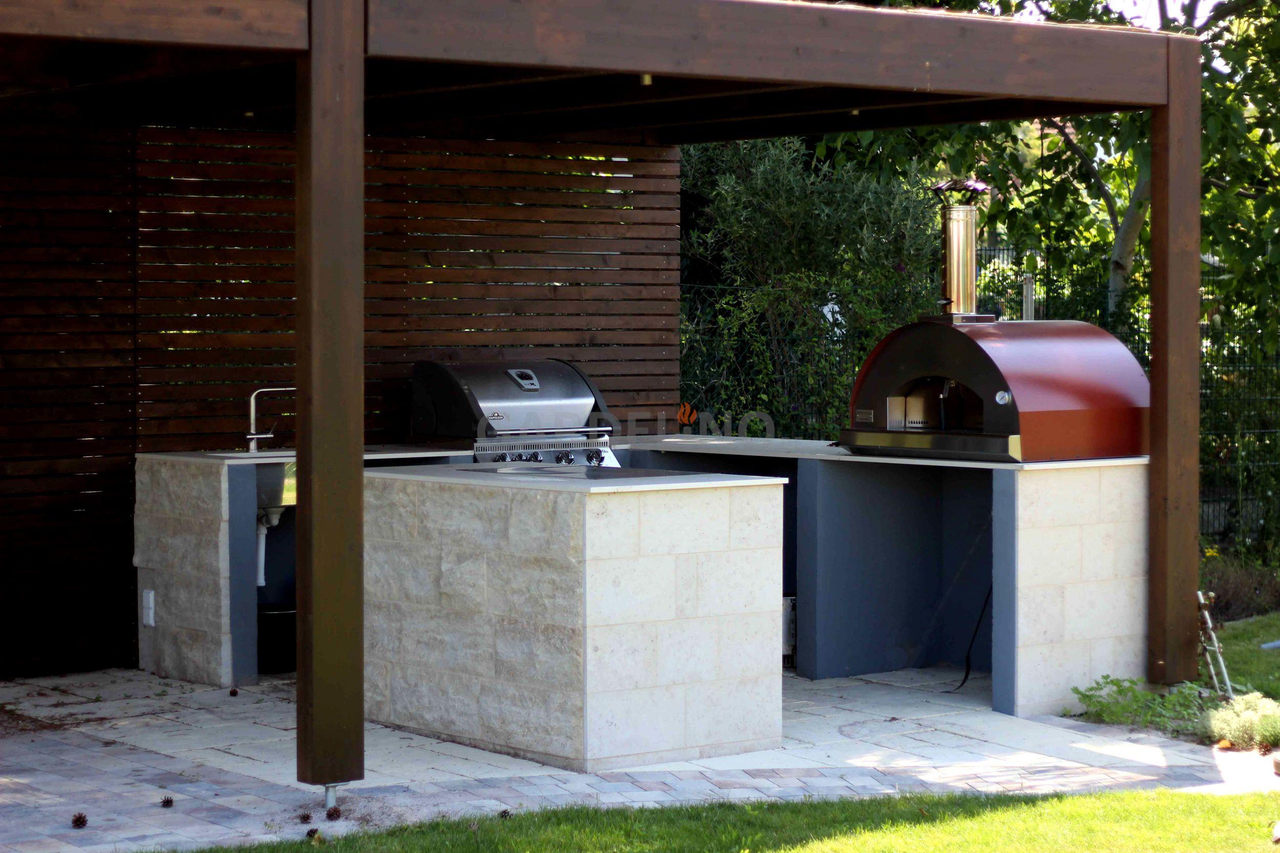 Außenküche Mit Pizzaofen : Außenküche im garten mit grill und pizzaofen auf großer terrasse