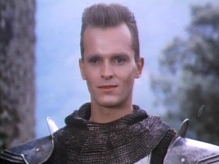 Miguel Bosé - El caballero del dragón 1985 - Dir: Fernando Colomo - (España)