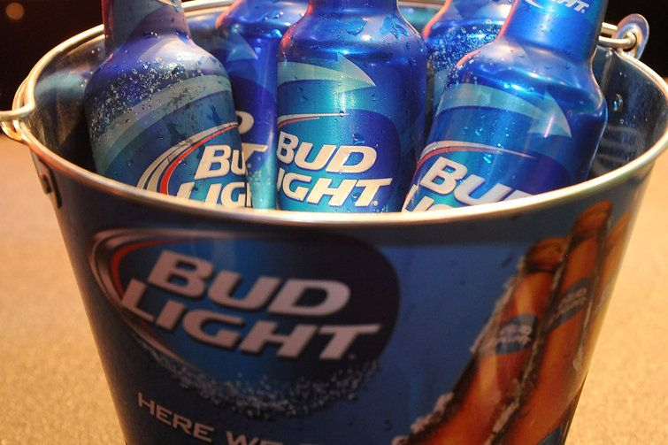Did You Know That Every 1 In 5 Beers Sold In America Is A Bud Light Budlight Beer 101 Beer Bud Light