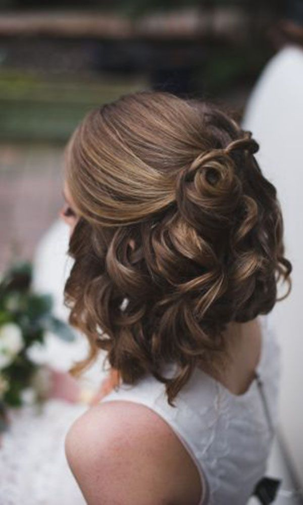 Bridesmaid Makeup Wedding Hairstyles Short Hair Semi Open And Curly