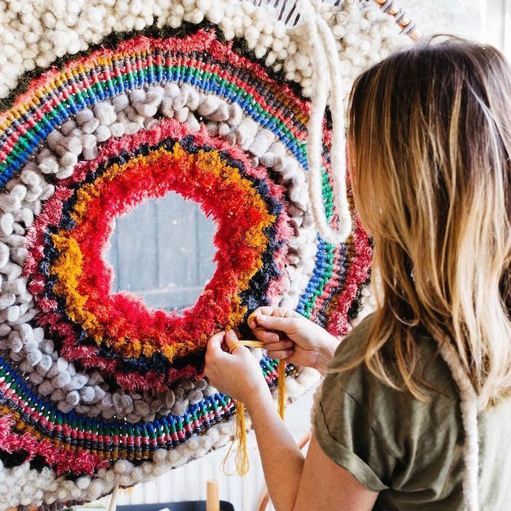 Artist Crafts Large Beautifully Textured Weavings You Can
