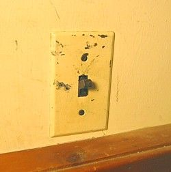 How to Replace a Light Switch | Home Repairs & Maintenance