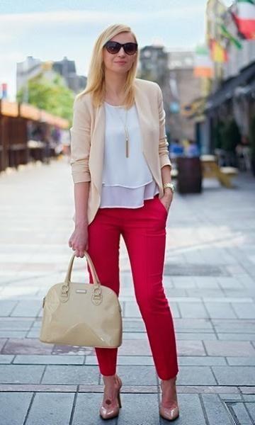 Look Bege + Vermelho | Moda de trabalho, Look moda, Looks
