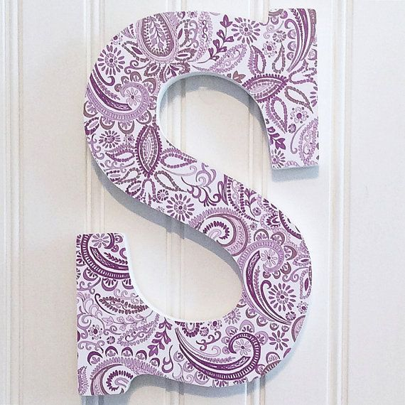 S letter wall decor