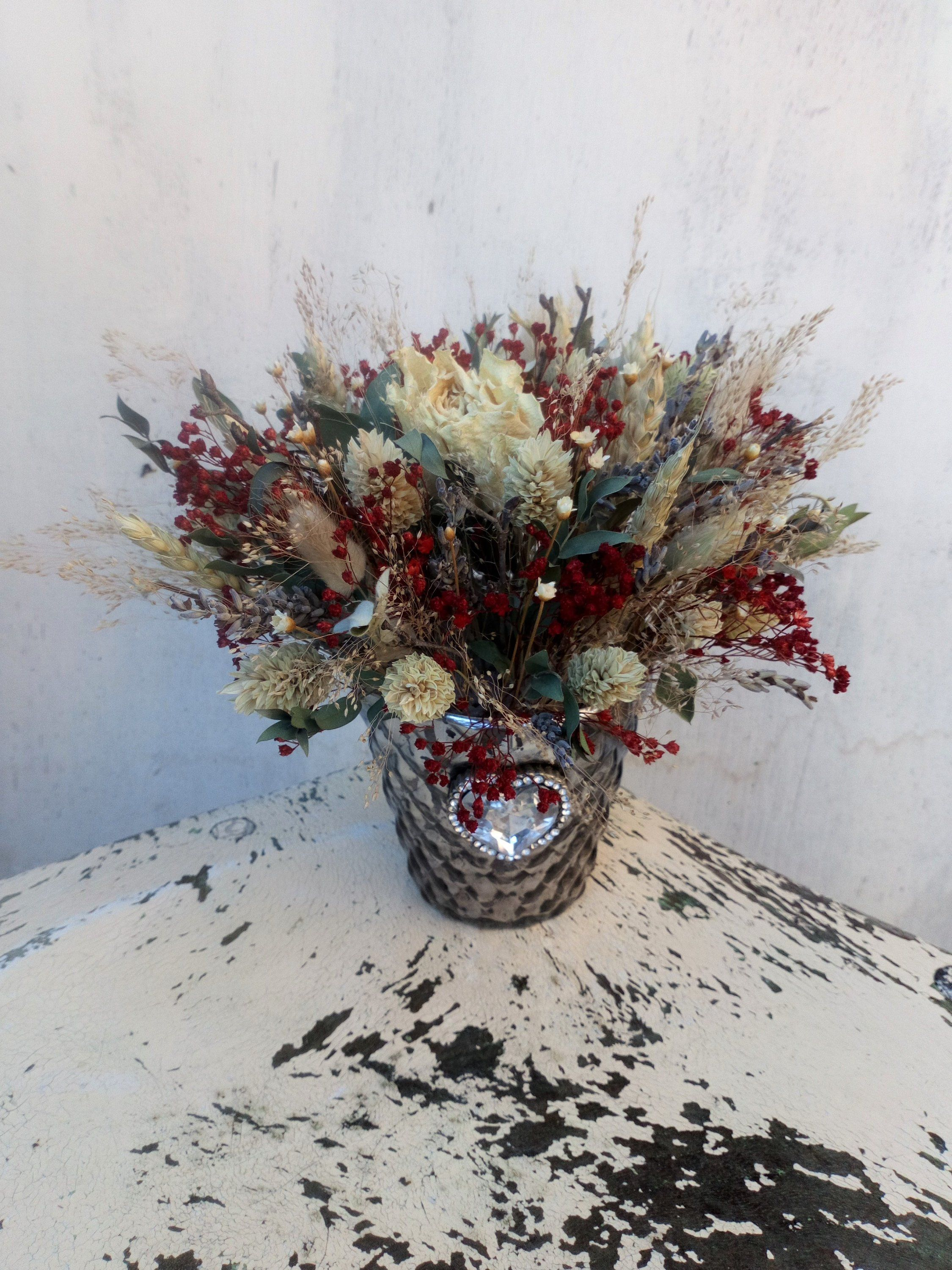 Christmas Dried Flower Arrangement Table Flowers Christmas Etsy Dried Flower Arrangements Flower Arrangements Dried Flowers