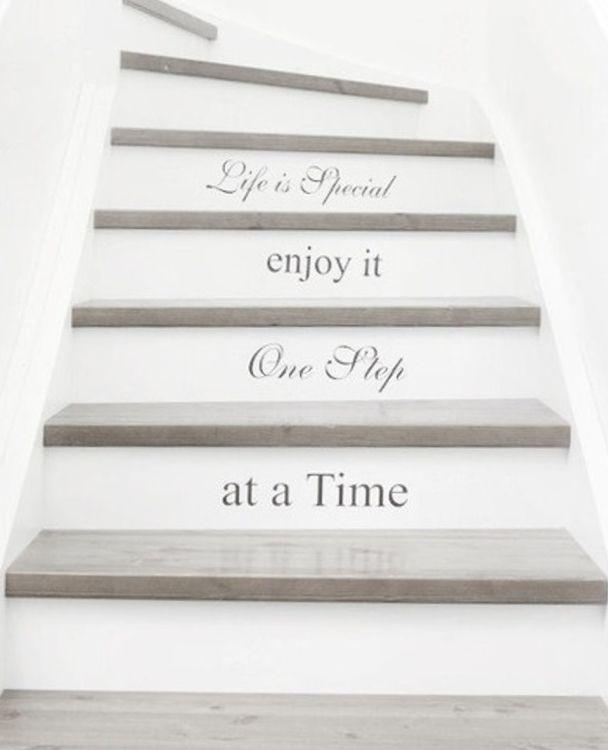 escalier blanc blanc d co escalier. Black Bedroom Furniture Sets. Home Design Ideas