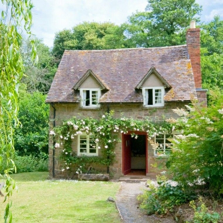 Pin By J W On Delightful English Cottage Small English Cottage Cottage Exterior English Cottage Style