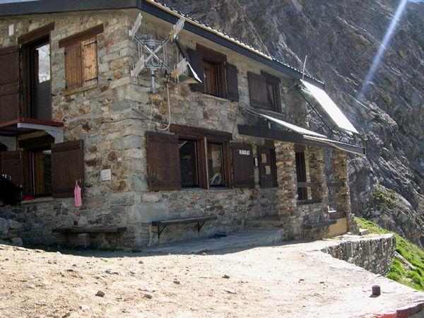 Case in pietra di montagna cerca con google case in for Case con facciate in pietra