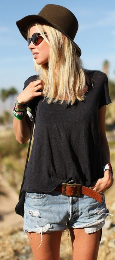 Simple and Cute Summer Streetstyle by Happily Grey