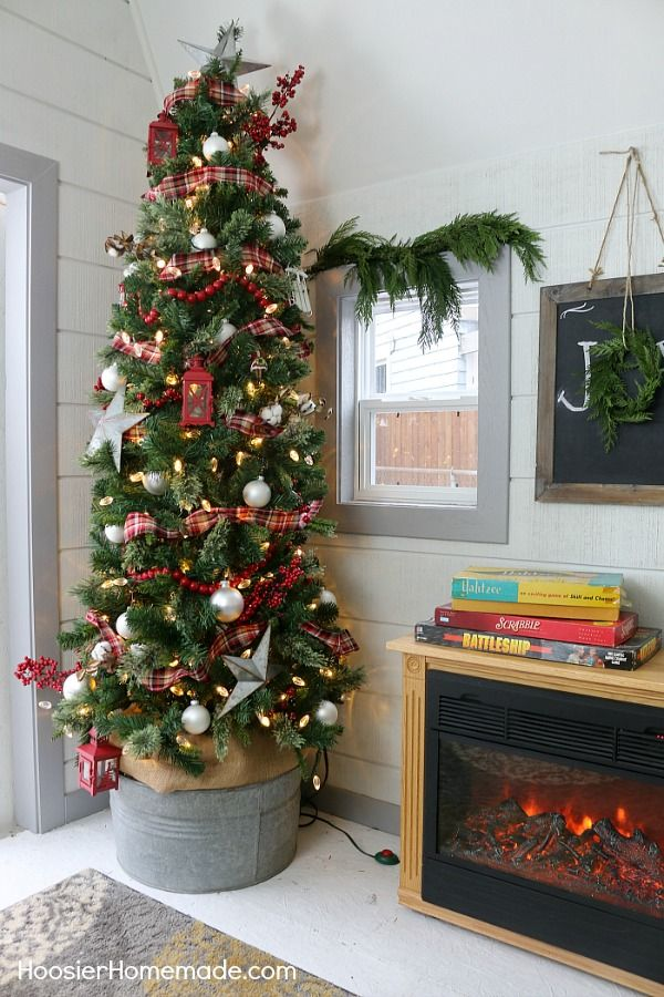 FARMHOUSE CHRISTMAS DECORATING She Shed Outdoor