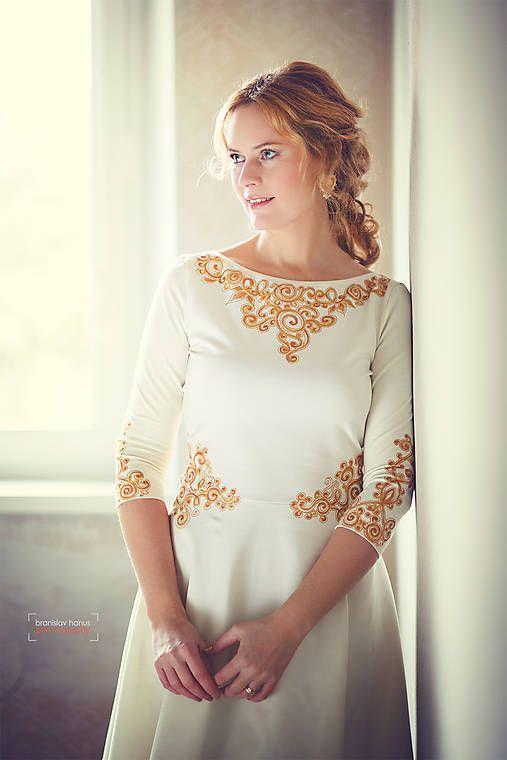 Zlatá maľba na biele šaty... / Adalei   Šaty