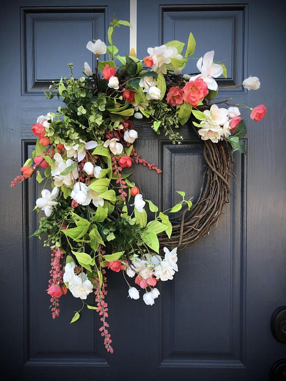 Coral Wreath, Spring Wreaths, Spring Door Wreath, Door Decor Spring
