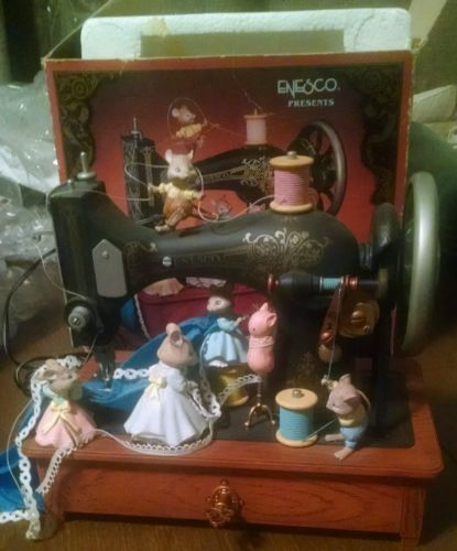 RareEnescoOldFashionSewingMachineWithMiceMultiActionMusic Enchanting Singer Sewing Machine Music Box
