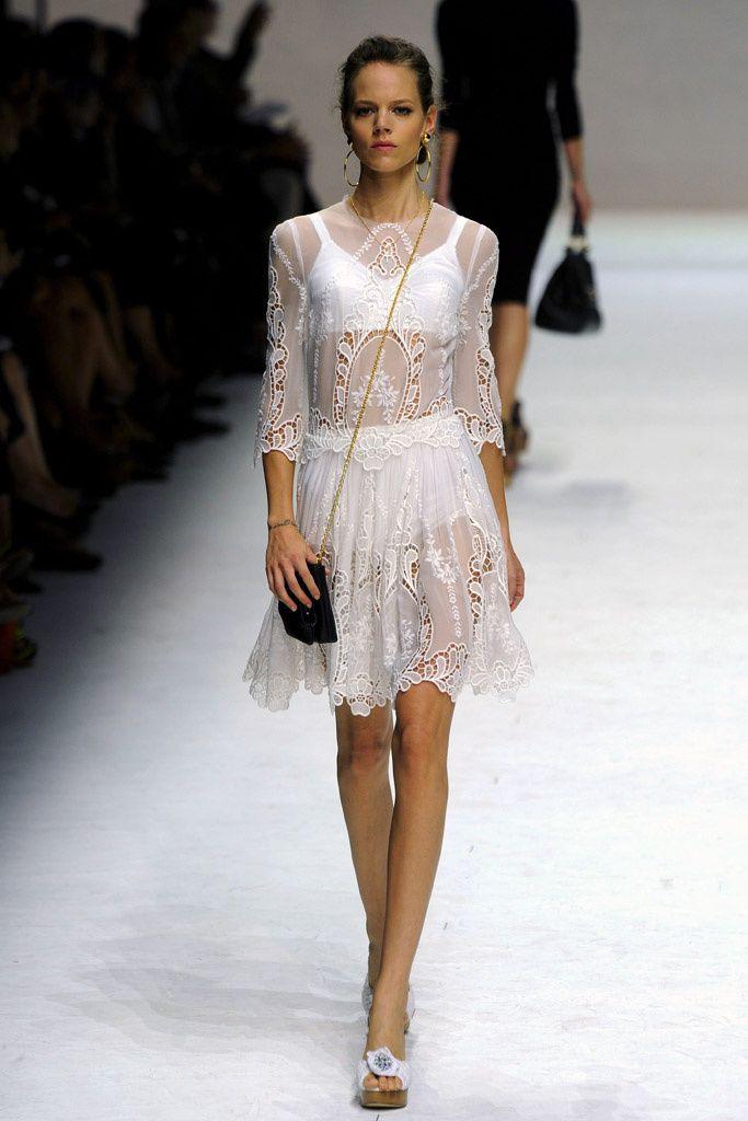 Trendy por menos: 10 vestidos de novia por debajo de 100 euros   De ...