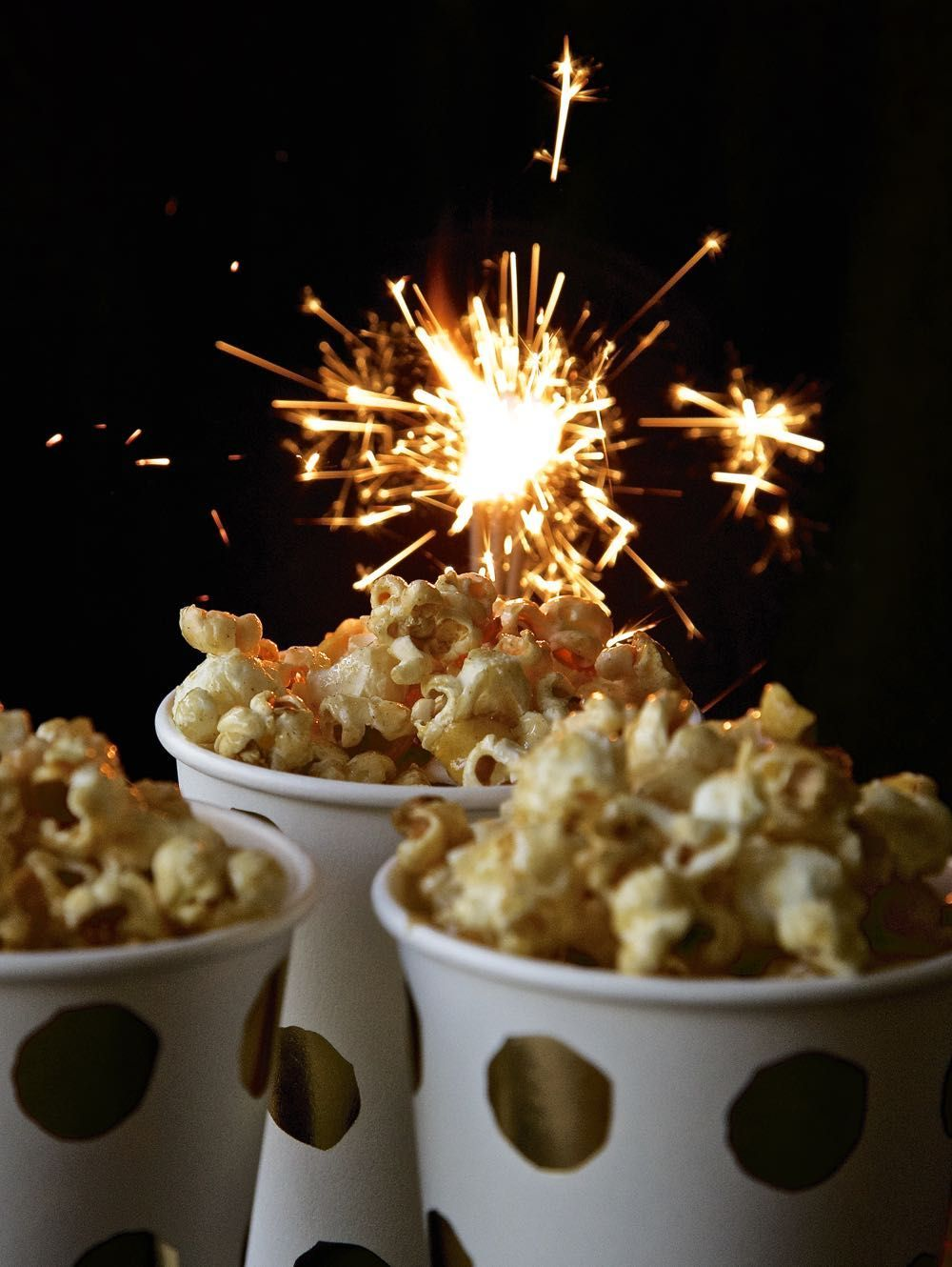 Toffee Popcorn with Apple and Sparkle! - thinlyspread.co.uk #bonfirenightfood With Apple Day, Halloween, Bonfire Night & all the winter festivals rapidly approaching I reckon it's time to share my toffee apple popcorn recipe with you!