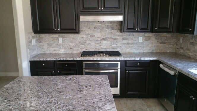 Bianco Antico Granite With Silver Split Face Travertine