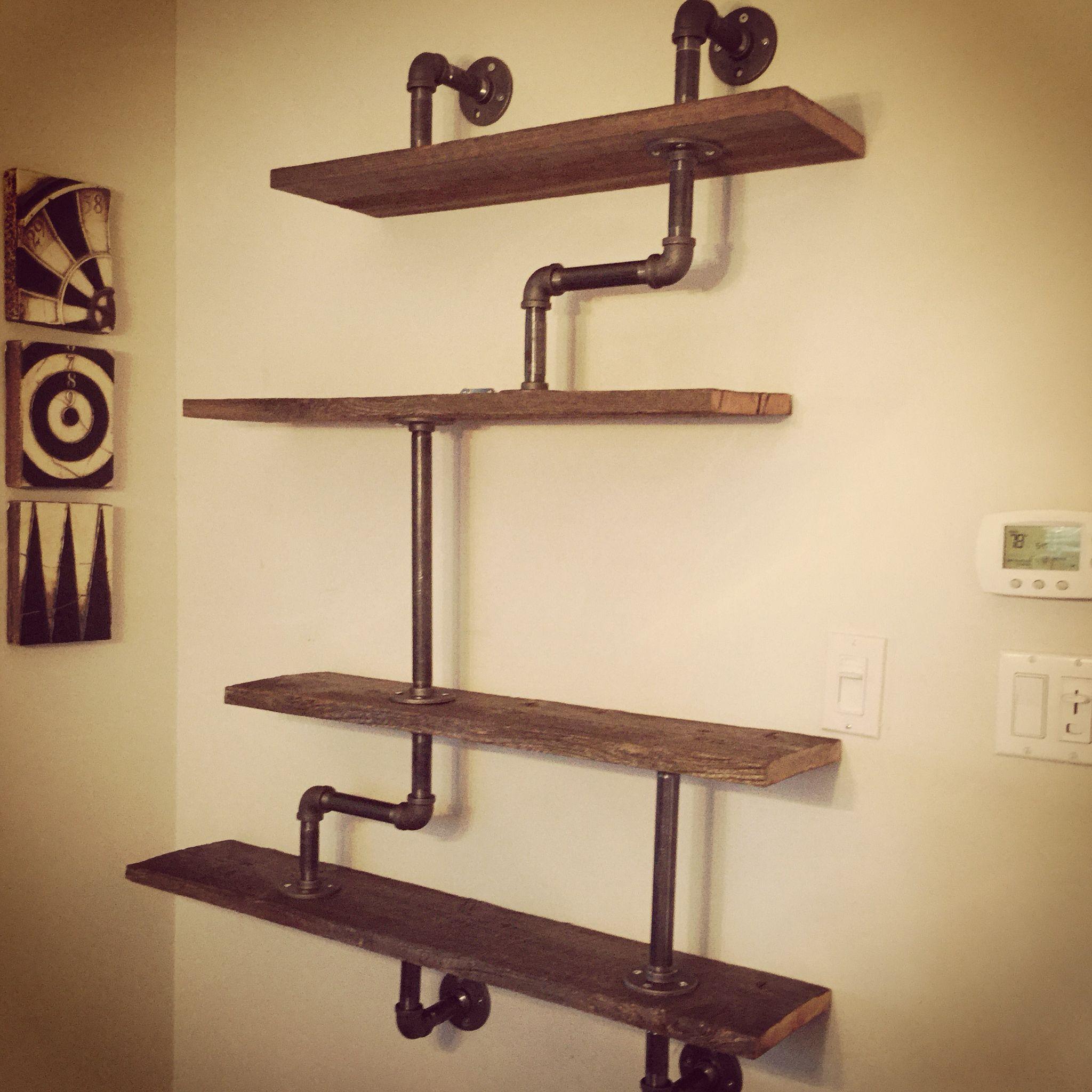 barnyard and gas pipe shelf barn doors pinterest regal regal bauen und regal rohr. Black Bedroom Furniture Sets. Home Design Ideas