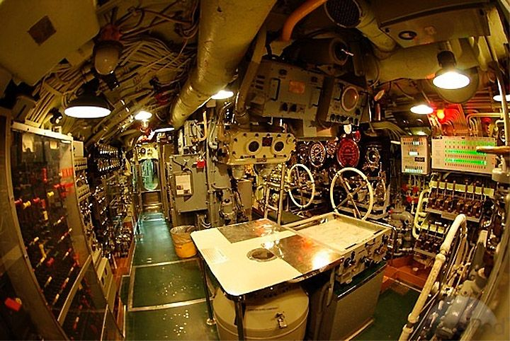 Living Quarters Control Room Navy Ships Us Navy Ships Submarines
