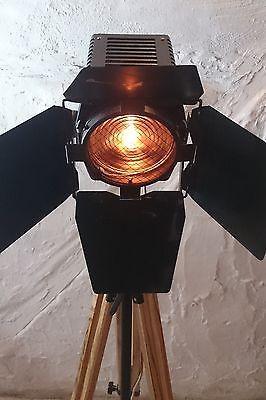 tripod stativ steh lampe film scheinwerfer b hnen strahler industrie design loft in m bel. Black Bedroom Furniture Sets. Home Design Ideas
