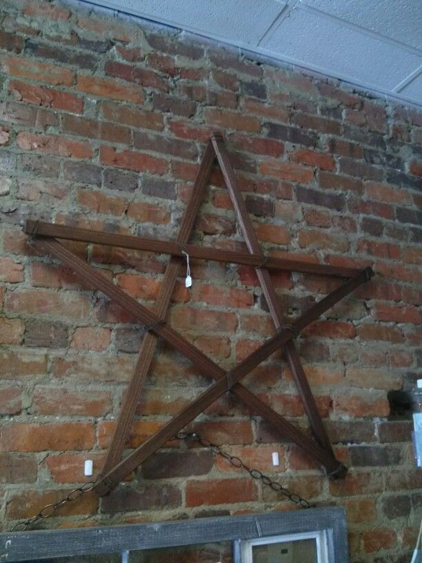 Star Made From Furring Strips And Rusty Baling Wire Diy Wall Art Stars Craft Craft Fairs