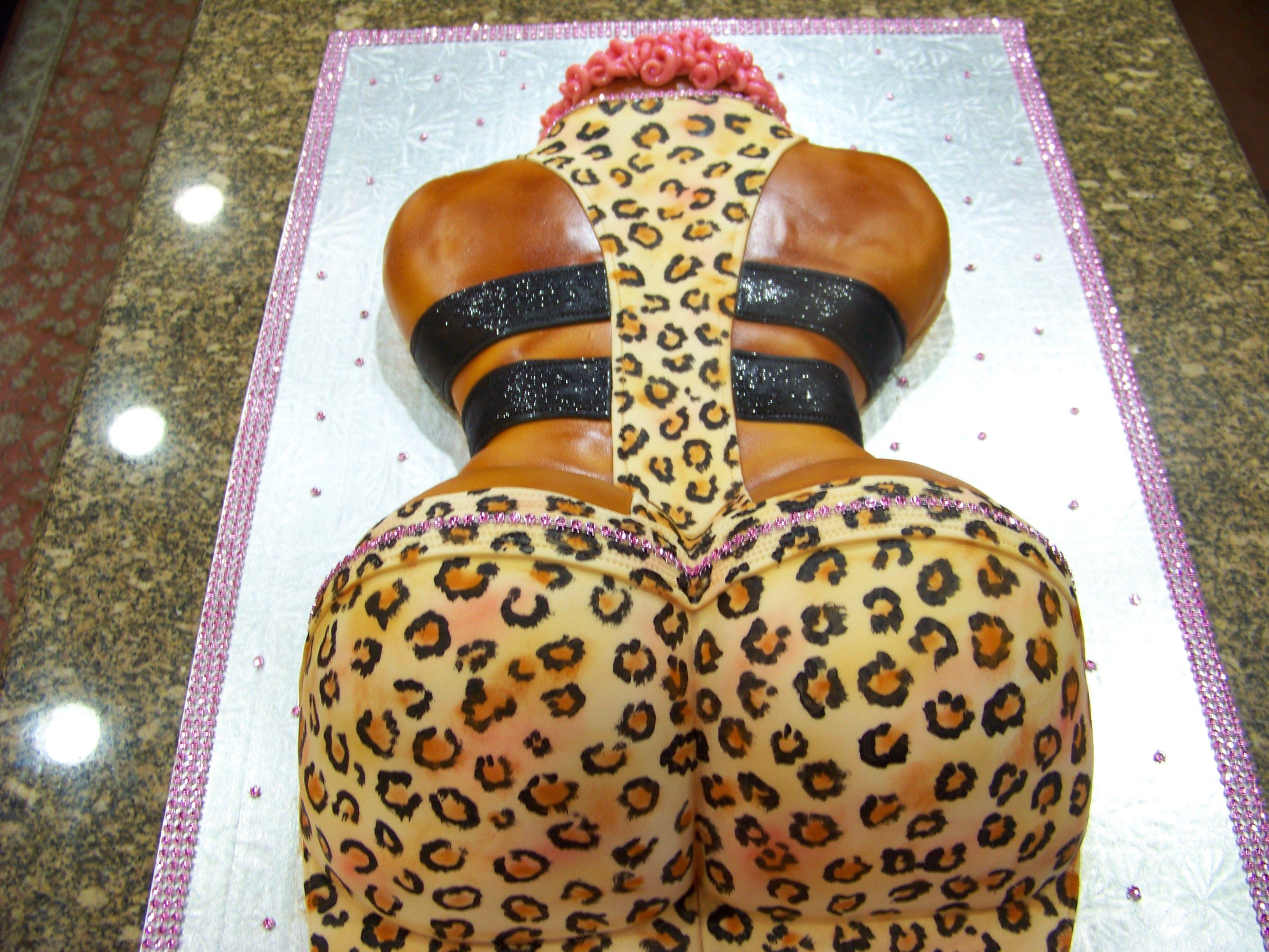 Nicki Minaj Bum Cake
