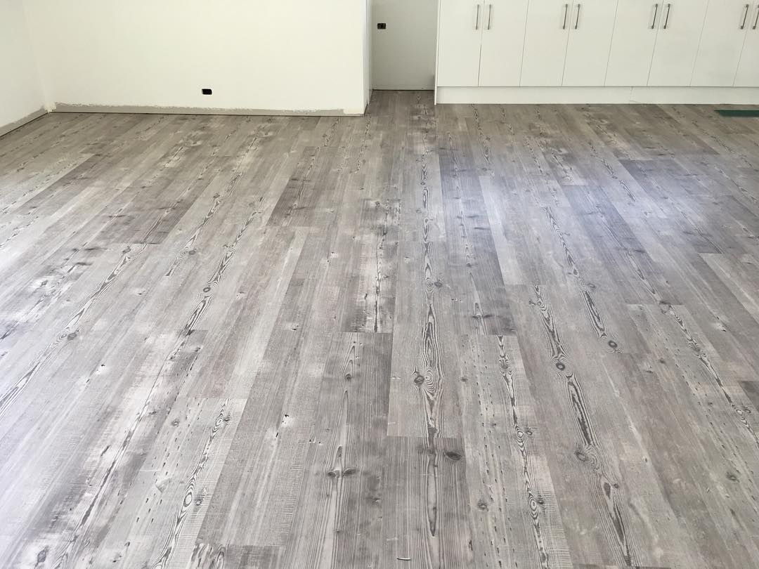 The New Weathered Heart Pine Is The Perfect Colour To Create A Contemporary Space Featuring Beautiful Light Hues Flooring Luxury Flooring Heart Pine Flooring