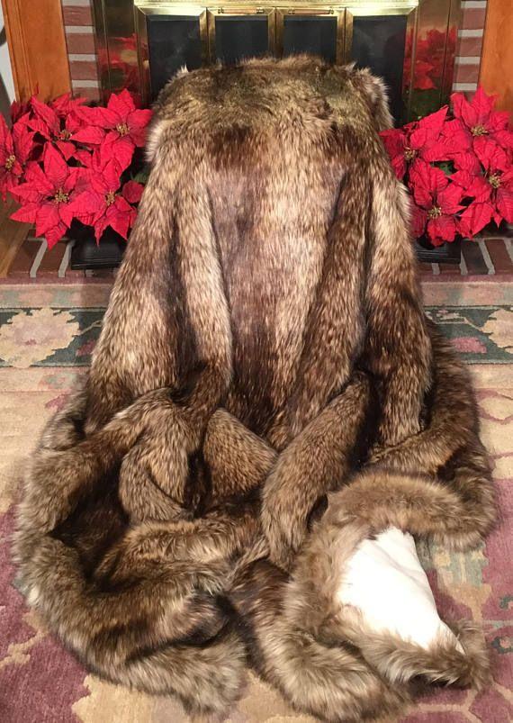 Extra big throw heavyweight golden wolf faux fur blanket - Mantas de piel ...
