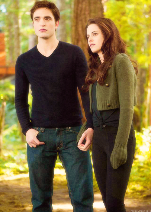 Twilight Breaking Dawn Pt 2 Edward & Bella Cullen ...