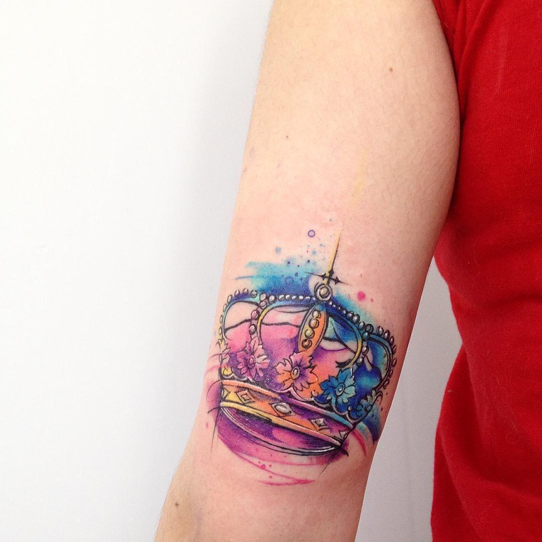 Pin Adăugat De Simona Ioana Pe Tattoo: KingAB #tattoo #tatuaje #ab #king #corona #color