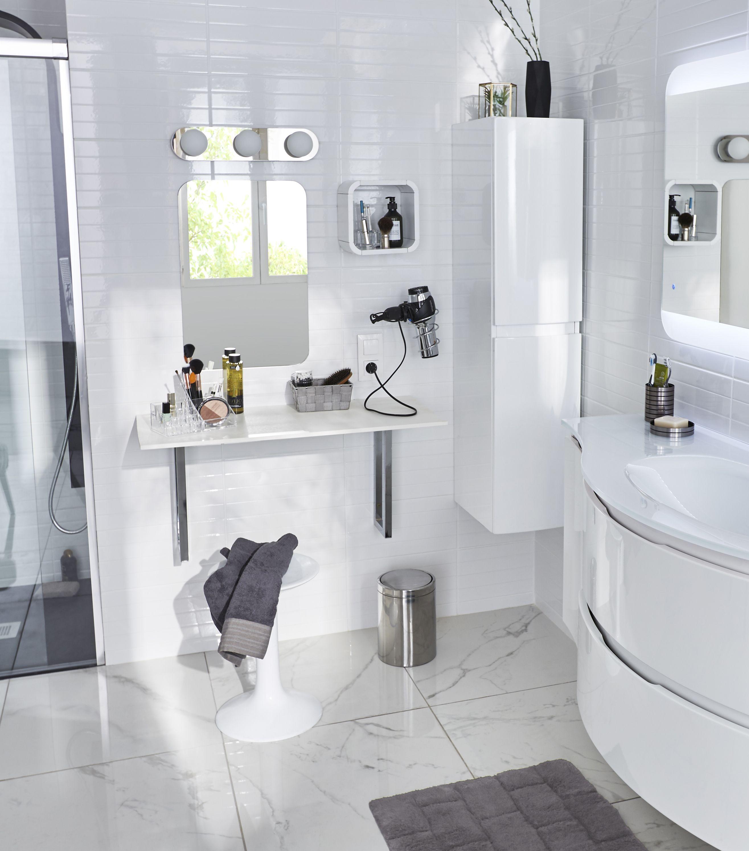 Am nager un coin coiffeuse pour tout avoir sous la main - Meuble en coin salle de bain ...
