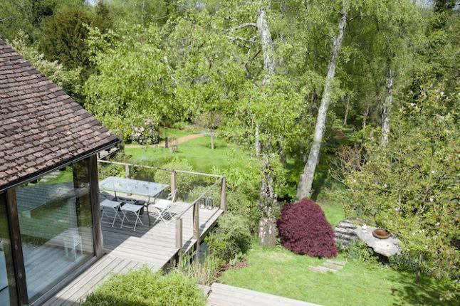 Un Jardin En Pente Douce Jardin En Pente Jardins Idees Jardin