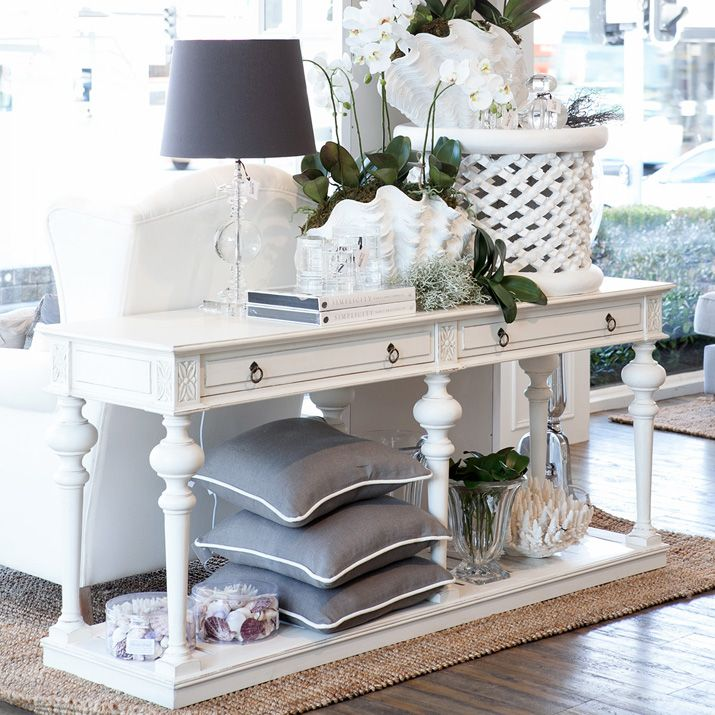 Hampton Home Design Ideas: Entry Table Styling.