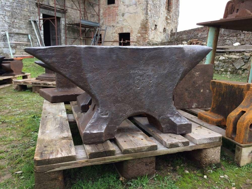 575 Lbs Massive Forged Blacksmith Anvil Anvils Planet