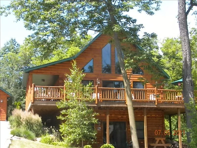 course accommodations resort wisconsin cabin cabins wilderness dells bedroom golf