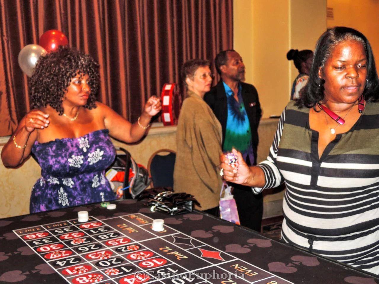 Стихотворение казино игровые аппараты скачать бесплатно клубника, обезьяна