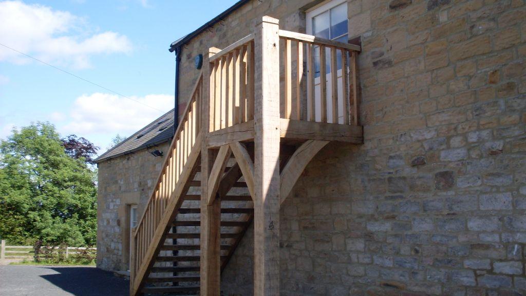 Best Green Oak External Staircase Using Just 2 Main Newal 400 x 300