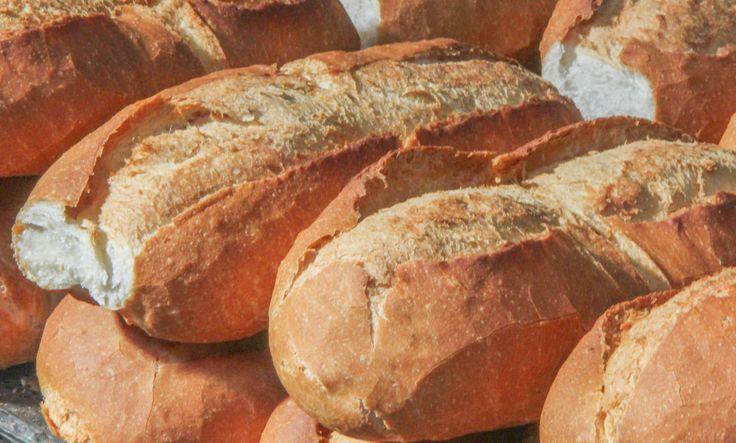 ¡¡No es por nada pero los #bolillos de las panaderías tradicionales de #aguascalientes son una delicia!! Ya sea en torta, mollete, dulce, salado, son básicos. ¿Cómo se te antoja? www.vivaaguascalientes.com #SiTeGustaCompartelo