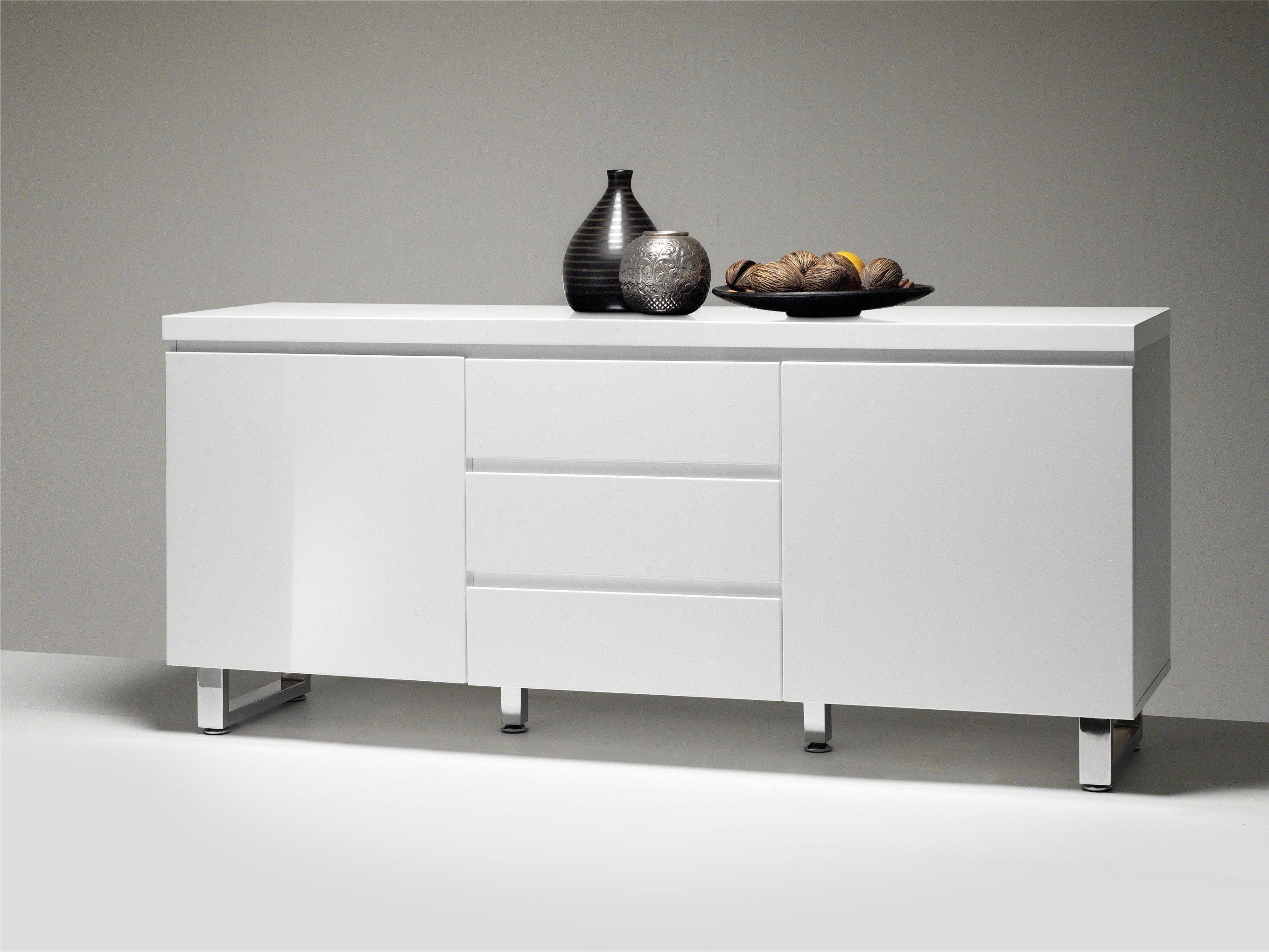Sideboard Oliver II Zeitlos moderne Möbelkollektion Oliver in Hochglanz Weiß. Passt immer und überall. 1 x Sideboard mit 3 Schubkästen 2 Türen und 2 Einlegeböden...