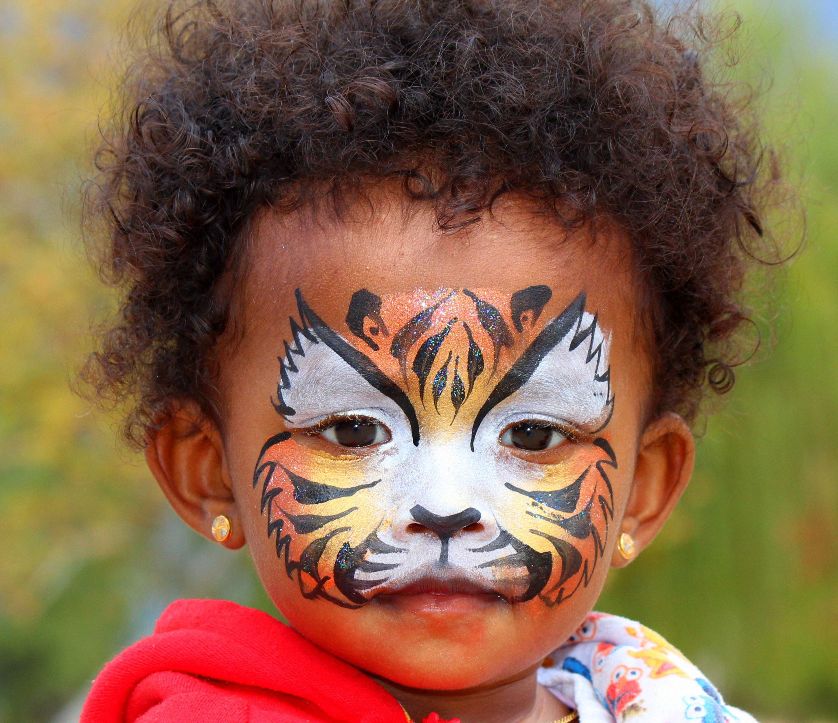 Baby tiger face paint makeup by cynnamon wmemorable event
