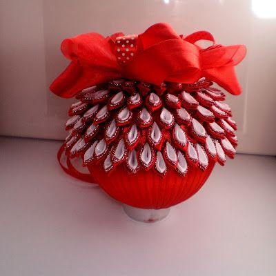 Bombki Ze Wstazki Kanzashi Christmas Snowflakes Ornaments Christmas Ornaments Homemade Ribbon Crafts