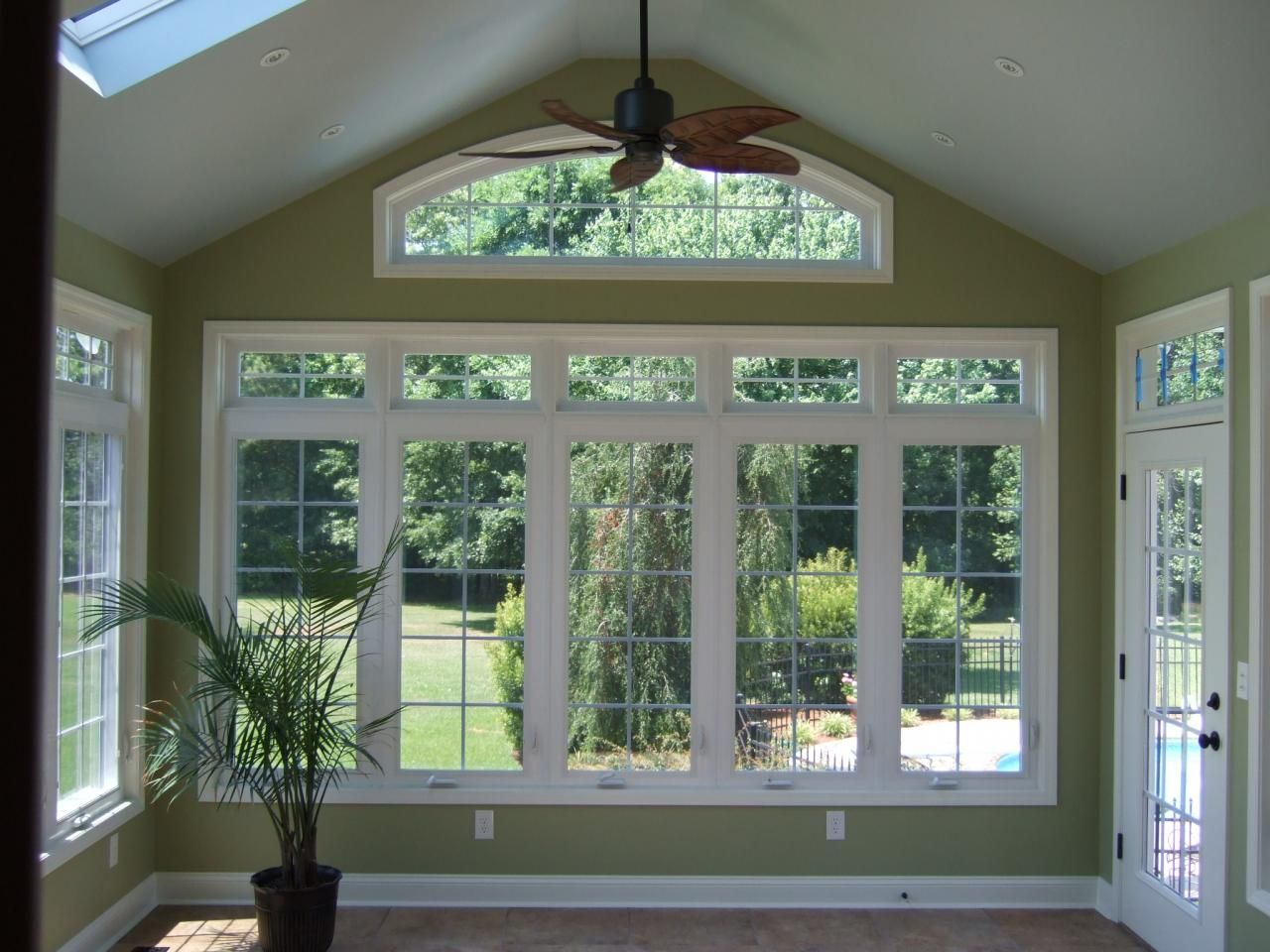 Sun rooms peak builders inc additions sunrooms for Solarium room additions