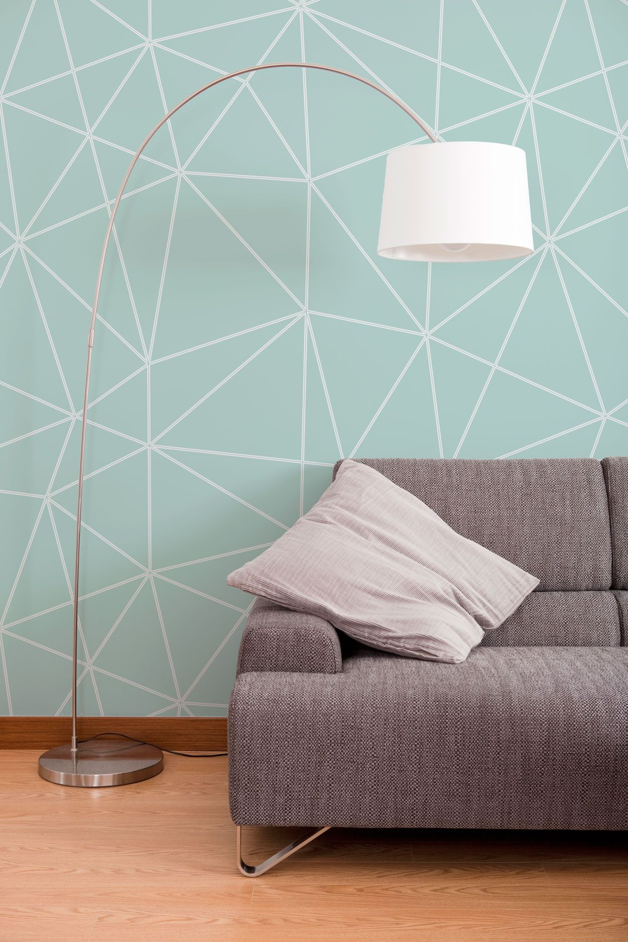 Modern Behang Woonkamer When You Have Statement Patterned Wallpaper Minimal Furniture In