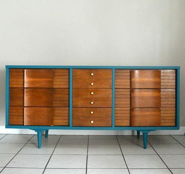Modern Style Dresser: Mid Century Modern Dresser