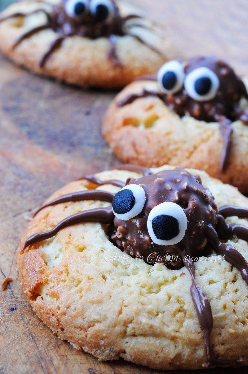 Biscotti di halloween ragnetti con ferrero rocher | Dolci ...