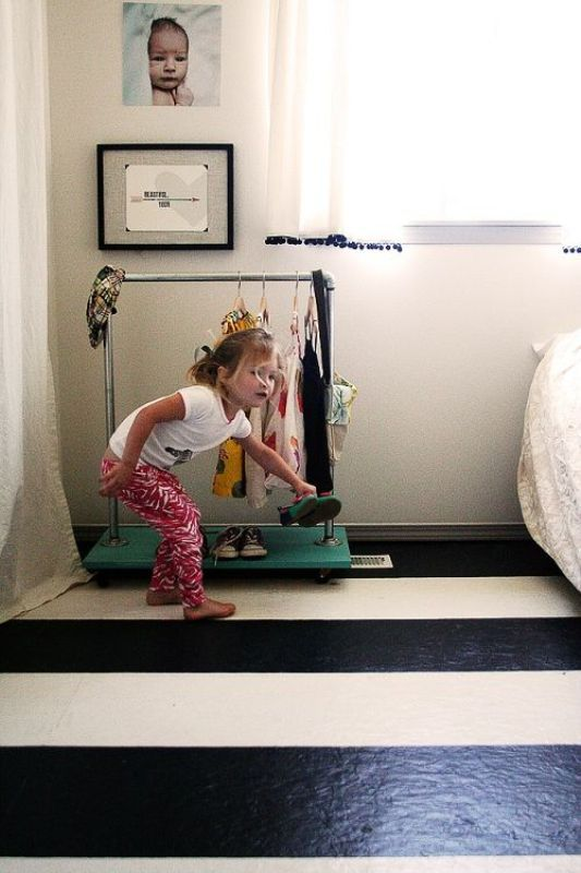 23 Brilliant Storage Solutions For Kids Rooms Without A Closet | Kidsomania
