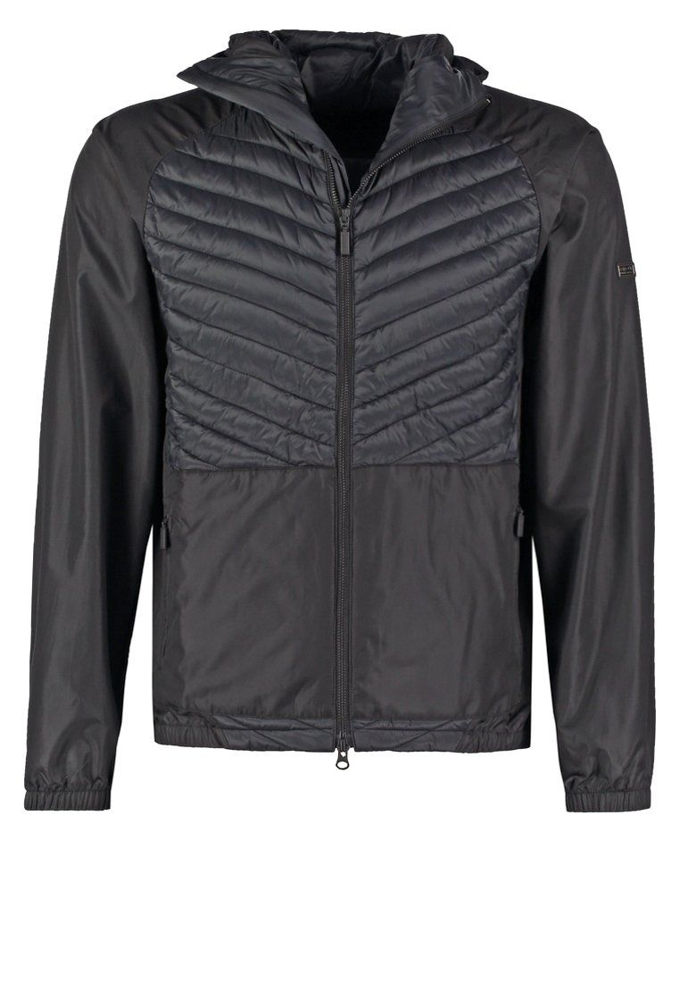 Barbour International™ STEEL Jas black, 199.95,  Meer info via http://kledingwinkel.nl/shop/heren/barbour-international-steel-jas-black/