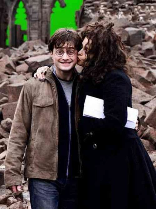 Some Of My Favorite Harry Potter Behind The Scenes Moments Imgur Harry Potter Movies Harry Potter Cast Harry Potter Pictures