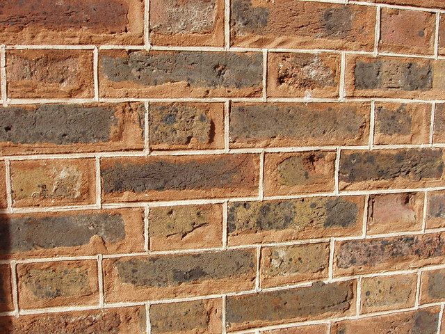 The Kind Of Masonry Joints You Choose Make A Real Difference In A Wall S Appearance This Is Tuck Pointing F Exterior Brick Exposed Brick Family Room Addition